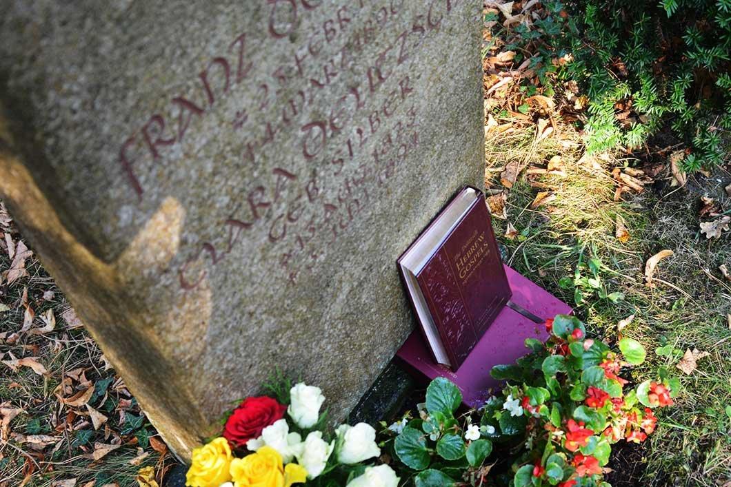 ff-delitzsch-grave-2.jpg